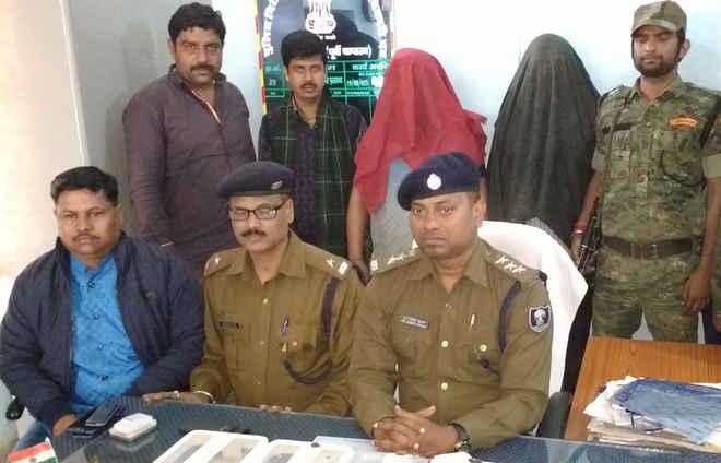 हरिद्वार से चोरी गए थे 27 लाख के मोबाइल, घोड़ासहन से धरे गए दो शटरकटवा