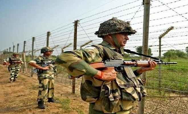 जम्मू-कश्मीर: भारत-पाक के बीच भारी गोलीबारी, सेना ने खाली कराए एलओसी के इलाके