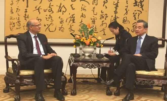भारतीय विदेश सचिव विजय गोखले ने चीनी विदेश मंत्री से की द्विपक्षीय वार्ता