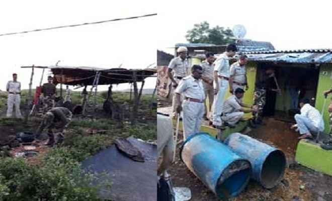 पुलिस टीम पर शराब माफिया ने किया हमला, 15 गिरफ्तार