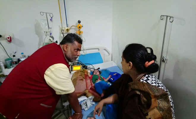 सांसद पप्पू यादव के श्रीनिवास हॉस्पिटल पहुंचने पर भाग गये स्टाफ, छेड़खानी की शिकार महिला से की मुलाकात