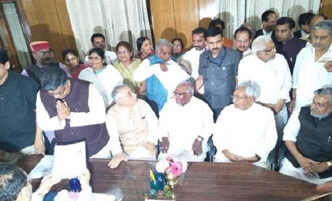राज्यसभा चुनावः केंद्रीय मंत्री रविशंकर प्रसाद ने भरा नामांकन