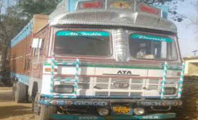 पलामू : ट्रक ने पशु व्यापारी को कुचला, मौत
