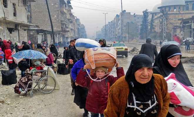 सीरिया में दहशत, पलायन कर रहे हैं लोग