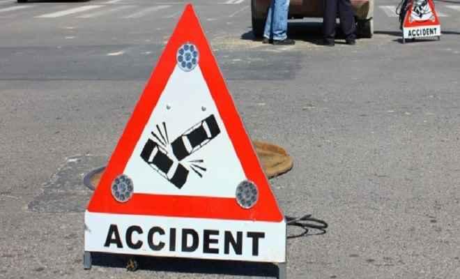 ट्रक की चपेट में आने से दूल्हा की मौत, दूल्हन घायल, ससुराल से लौटने के दौरान हुआ हादसा