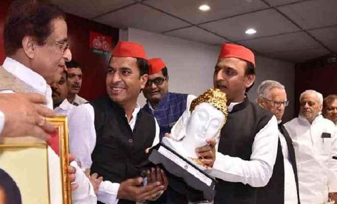 स्वामी प्रसाद मौर्य के दामाद नवल किशोर शाक्य समाजवादी पार्टी में हुए शामिल