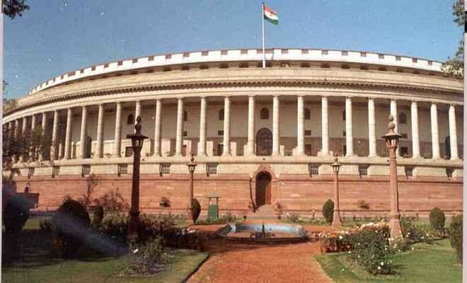 संसद में भारी हंगामा, दिनभर के लिए कार्यवाही स्थगित