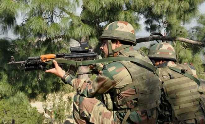 कश्मीर के कुपवाड़ा में दूसरे दिन भी मुठभेड़ जारी, 4 पुलिसकर्मी शहीद, 2 घायल