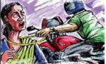 बाइक सवार एएनम का सुगौली में  झपटमारों ने उड़ाया सोने का चेन