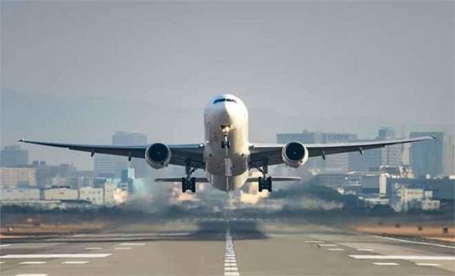 हवाई जहाज में मुसाफिर ने की ऐसी हरकत, कि करानी पड़ी इमरजेंसी लैंडिंग