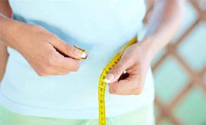हफ्ते में घटाना है 3 से 5 किलो वजन तो सोने से पहले पीएं ये जूस!