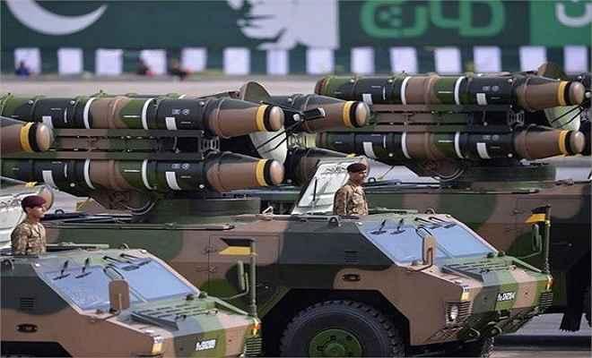हथियारों के लिए पाकिस्तान ने थामा चीन का दामन, फेरा अमरीका से मुंह