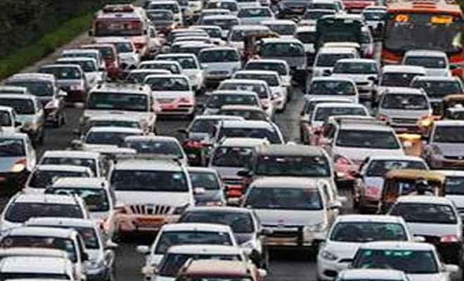 सरकार दो फीसदी तक बढ़ा सकती है डीजल वाहनों पर टैक्स