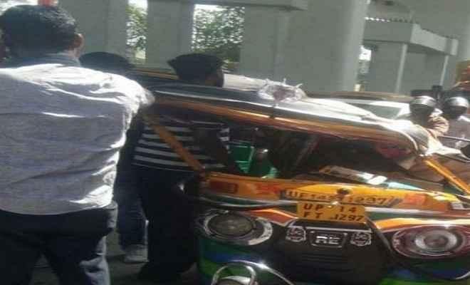 गाजियाबाद में मेट्रो का गार्डर गिरने से सात घायल