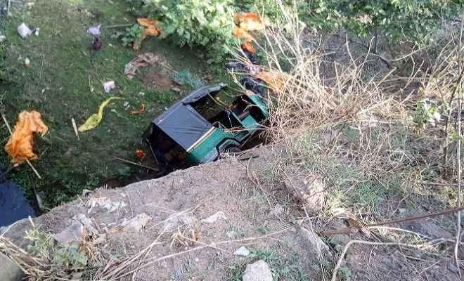 बगोदर से धनबाद आ रहा ऑटो पुल से गिरा, तीन की मौत, 7 घायल