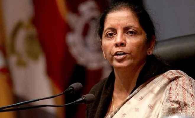 भारत और चीन के बीच मतभेद विवादों में नहीं बदलना चाहिए : रक्षामंत्री