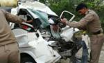 ट्रक और टाटा मैजिक के बीच हुई भिड़ंत, 12 की मौत