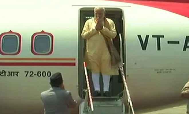 जनकपुर पहुंचे पीएम मोदी, एयरपोर्ट पर भव्य स्वागत