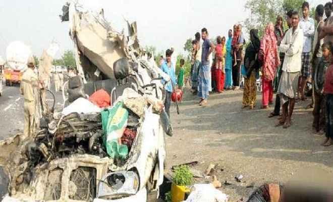 तेज प्रताप की शादी से लौट रहे राजद नेताओं के साथ हुआ सड़क हादसा, चार लोगों की हुई मौत