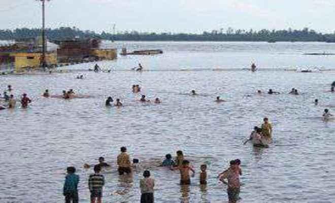 घाघरा नदी में नहाने गए 8 लोग डूबे, दो शव बरामद, रेस्क्यू ऑपरेशन जारी