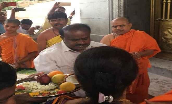 कर्नाटक चुनाव मतगणना : शुरुआती रुझानों में देवगौड़ा के दोनों बेटे आगे