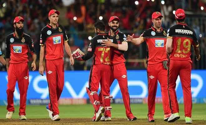आइपीएल 2018 : हैदराबाद को 14 रन से हरा, बैंगलोर की प्लेऑफ की उम्मीदें बरकरार