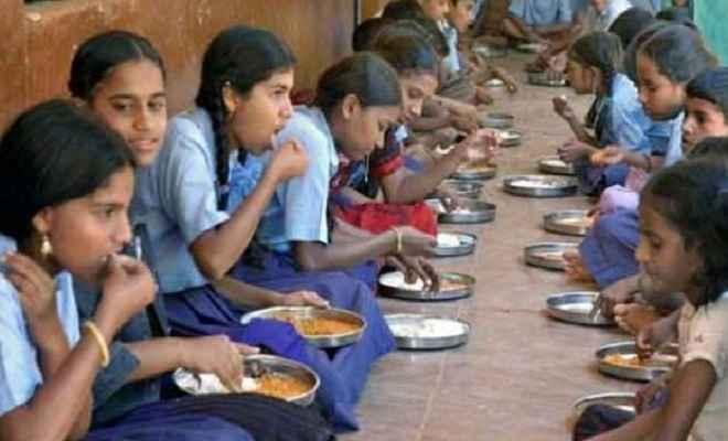 कोडरमा में मिड डे मील खाने से दर्जनों बच्चे हुए बीमार