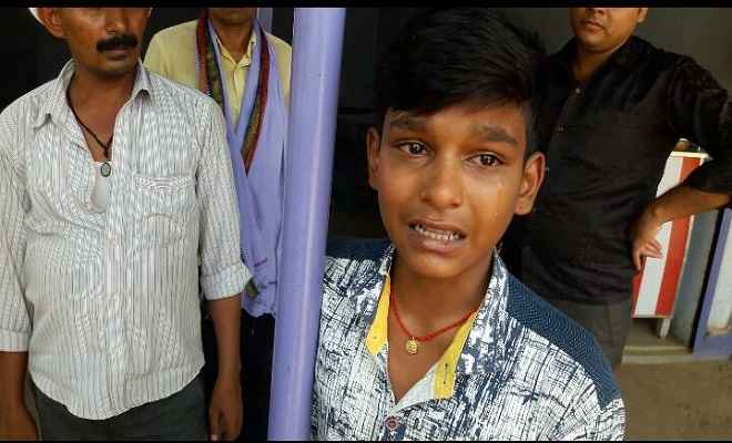 पुलिस वालों की दबंगई, होटल में नास्ता कर नहीं दिया पैसा
