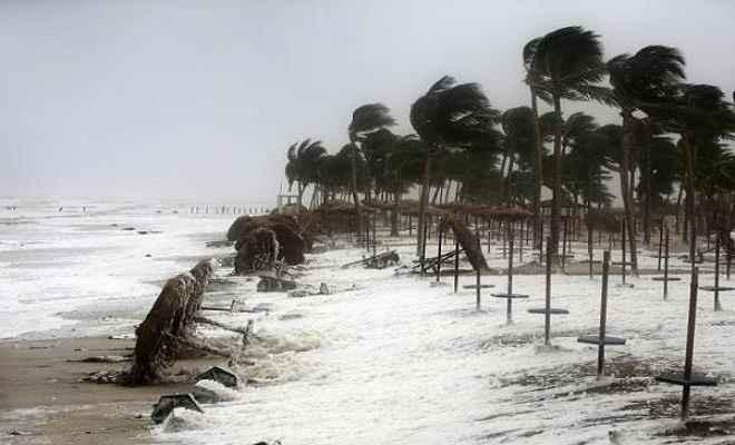 मेकुनु तूफान में तीन भारतीयों समेत 11 की मौत