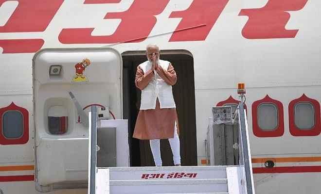 मलेशिया, सिंगापुर और इंडोनेशिया के दौरे पर रवाना हुए प्रधानमंत्री मोदी