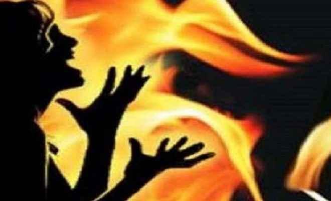 दहेज की मांग को लेकर महिला की जलाकर हत्या, जांच में जुटी पुलिस