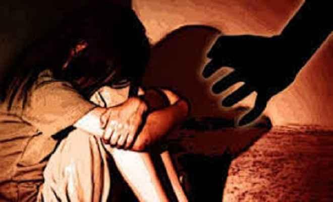 नाबालिग बच्ची के साथ सामूहिक दुष्कर्म, तीन गिरफ्तार