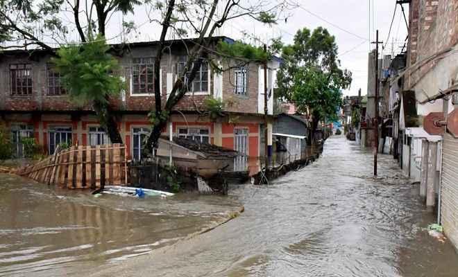 पूर्वोत्तर में बाढ़ का कहर, 23 लोगों की मौत