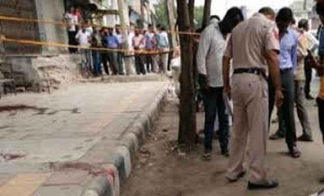 दिल्ली में गैंगवार, तीन की मौत पांच घायल