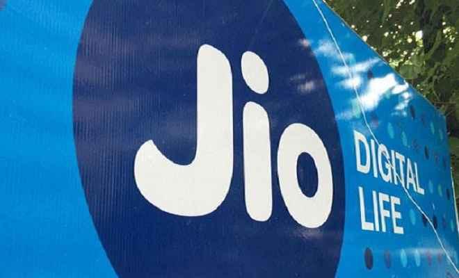 जियो ने पेश किया शानदार ऑफर, 300 रु के प्लान पर 100 रु की छूट
