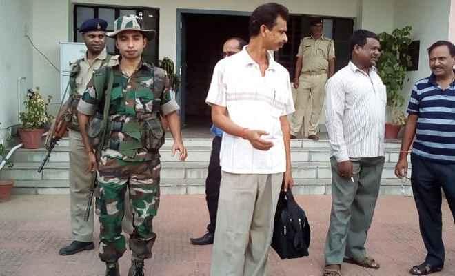 चाईबासा में 5000 रुपये घूस लेते एएसआई गिरफ्तार, जमशेदपुर एसीबी ने दबोचा