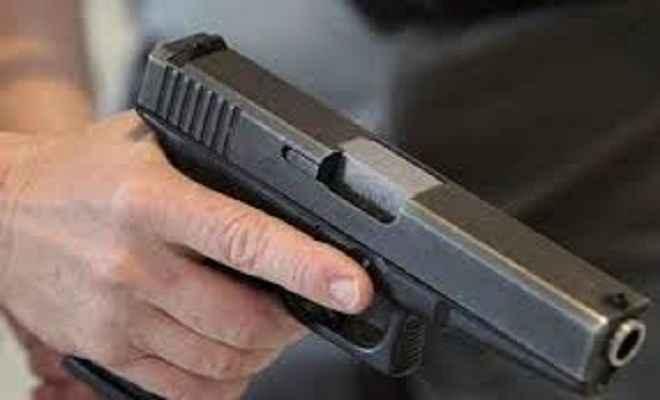 बेखौफ बदमाशों का कहर जारी, दिनदहाड़े युवक की गोली मारकर हत्या