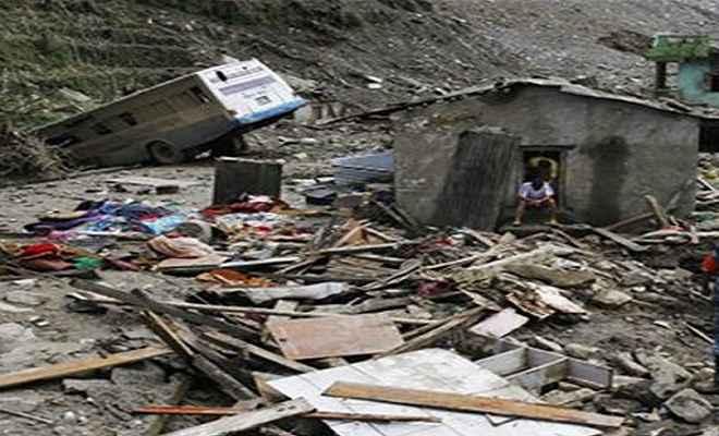 बाढ़ और भूस्खलन वियतनाम बेहाल, 7 लोगों की मौत, कई लापता