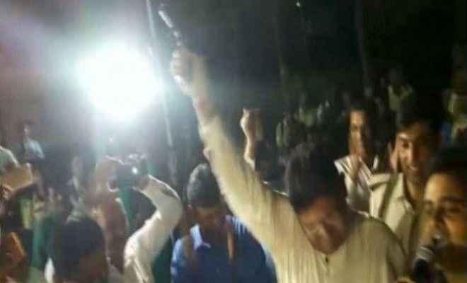 भोजपुर में नाच के दौरान अंधाधुंध फायरिंग, दूल्हे के भाई की मौत