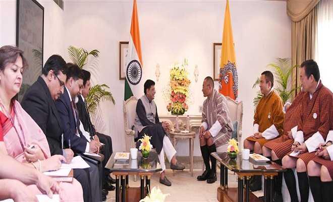 रेलवे, कोयला, वित्त और कॉर्पोरेट मामलों के केंद्रीय मंत्री श्री पियुष गोयल ने नई दिल्ली में भूटान के प्रधान मंत्री श्री शशिंग टोबगे से मुलाकात की।