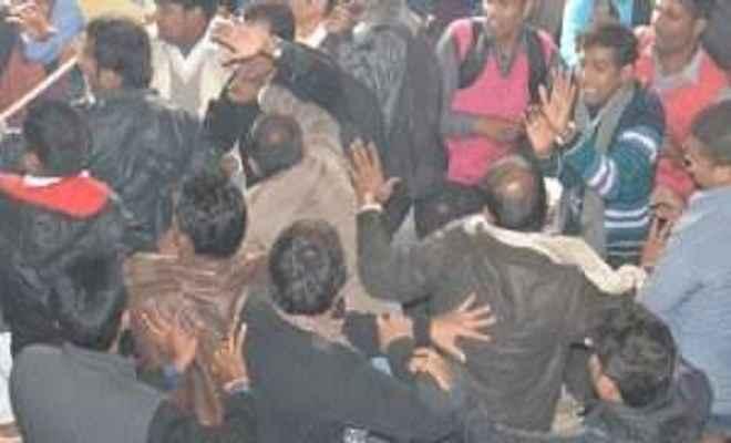बिहार में भीड़ ने दी दो लुटेरों को तालिबानी सजा, एक की मौत, दूसरे की हालत गंभीर