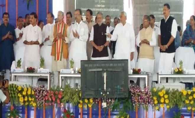 मुख्यमंत्री नीतीश ने किया देश का सबसे लंबा डबल डेकर फ्लाईओवर का शिलान्यास