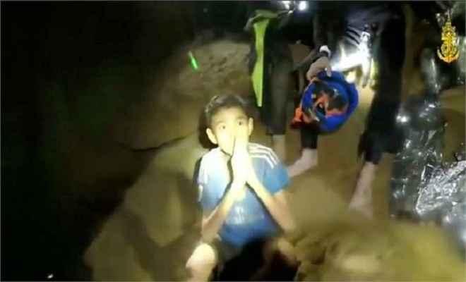 थाईलैंड मिशन: विश्व फुटबाल के नए हीरो बन गए हैं बहादुर लड़के