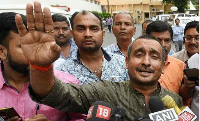 उन्नाव रेप केस : सीबीआई ने दाखिल किया चार्जशीट, भाजपा विधायक सेंगर आरोपी बनाये गये
