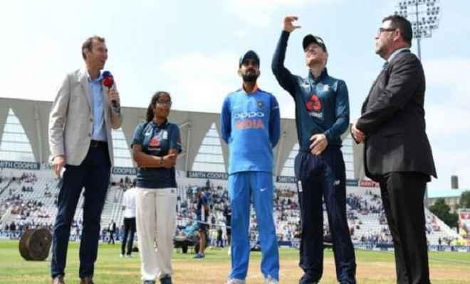 लीड्स वन डे : इंग्लैंड ने जीता टॉस, गेंदबाजी का लिया फैसला