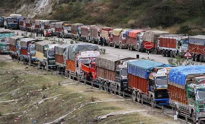 आज देशभर में ट्रकों के पहिए होंगे जाम, आम आदमी पर होगा यह असर