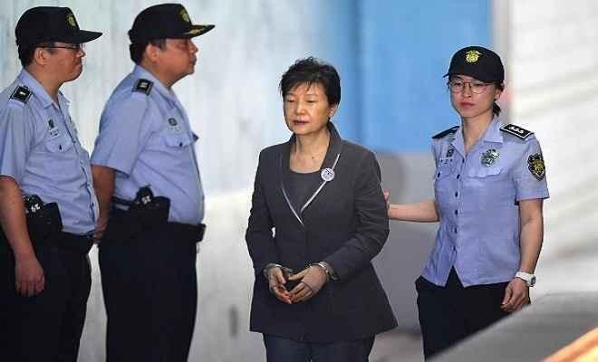 द कोरिया की पूर्व राष्ट्रपति को और 8 वर्ष की जेल की सजा
