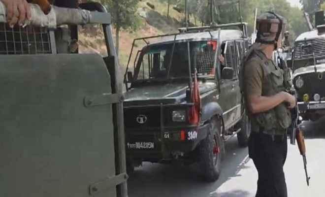 जम्मू कश्मीर: अनंतनाग में सीआरपीएफ के काफिले पर आतंकी हमला, 2 जवान घायल