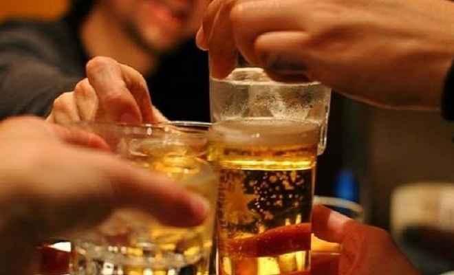 पहली बार शराब पीते पकड़े गए तो 50,000 रुपए जुर्माना या 3 माह की जेल