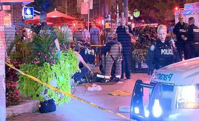 टोरंटो में रेस्टोरेंट के पास अंधाधुंध फायरिंग,हमलावर की मौत, कई घायल